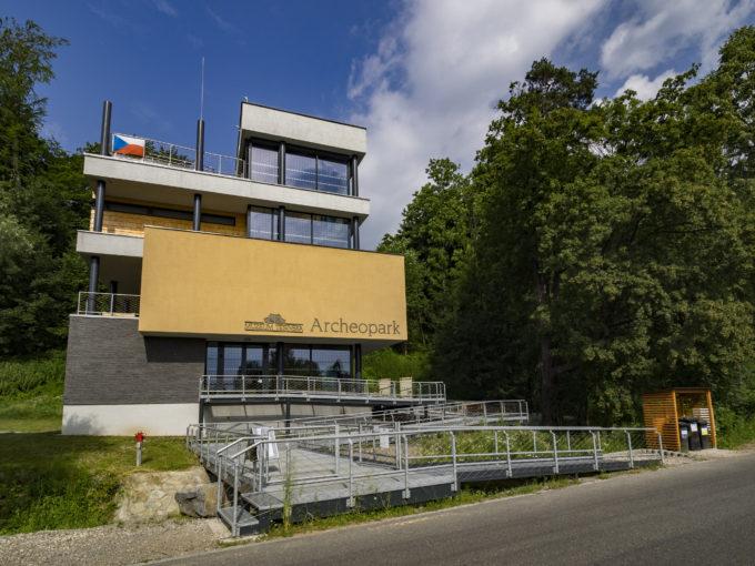 (Česky) 28.září, státní svátek – Den české státnosti, Archeopark uzavřen